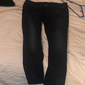 Dark skinny jeans, with zipper pocket